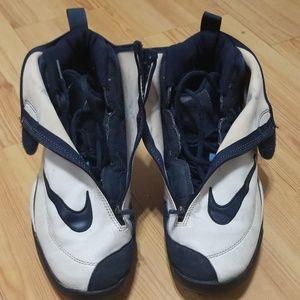 promo code 463dd 8d453 Men Nike Glove Shoes Gary Payton on Poshmark